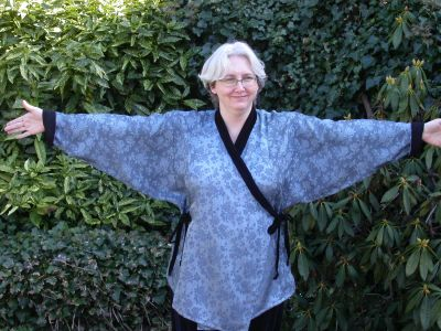 Kayla Kennington Cross Over Top 425 Pattern Review By Annika